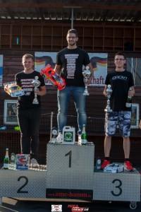 Die ersten drei Fahrer der Klasse VG10SCA von links_ Melvin Diekmann (2), Toni Gruber (1) und 3._Jakub Rozycki (3)