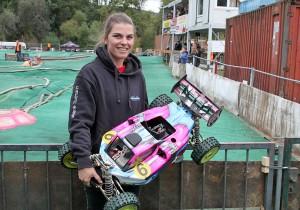 Die Schweizerin Melanie Trautmann ist die erfolgreichste Fahrerin in Offroad 1:6. Eine Woche vor den Deutschen Meisterschaften holte sie sich den Schweizer Meistertitel in Zürich. In Großheubach wurde sie Deutsche Vizemeisterin.